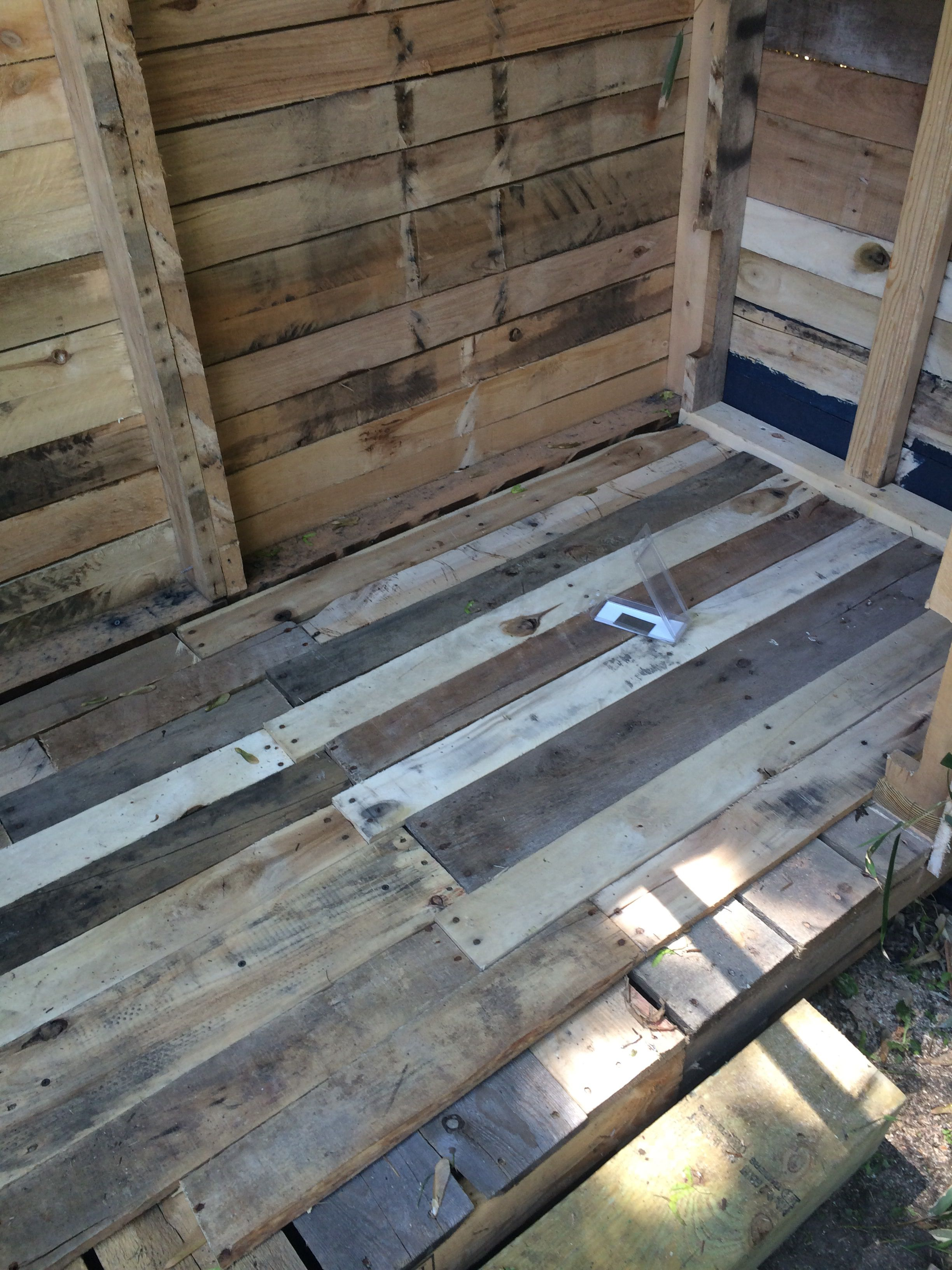 Pallet Floors On Pallet Shed Pallets Pallet Floors