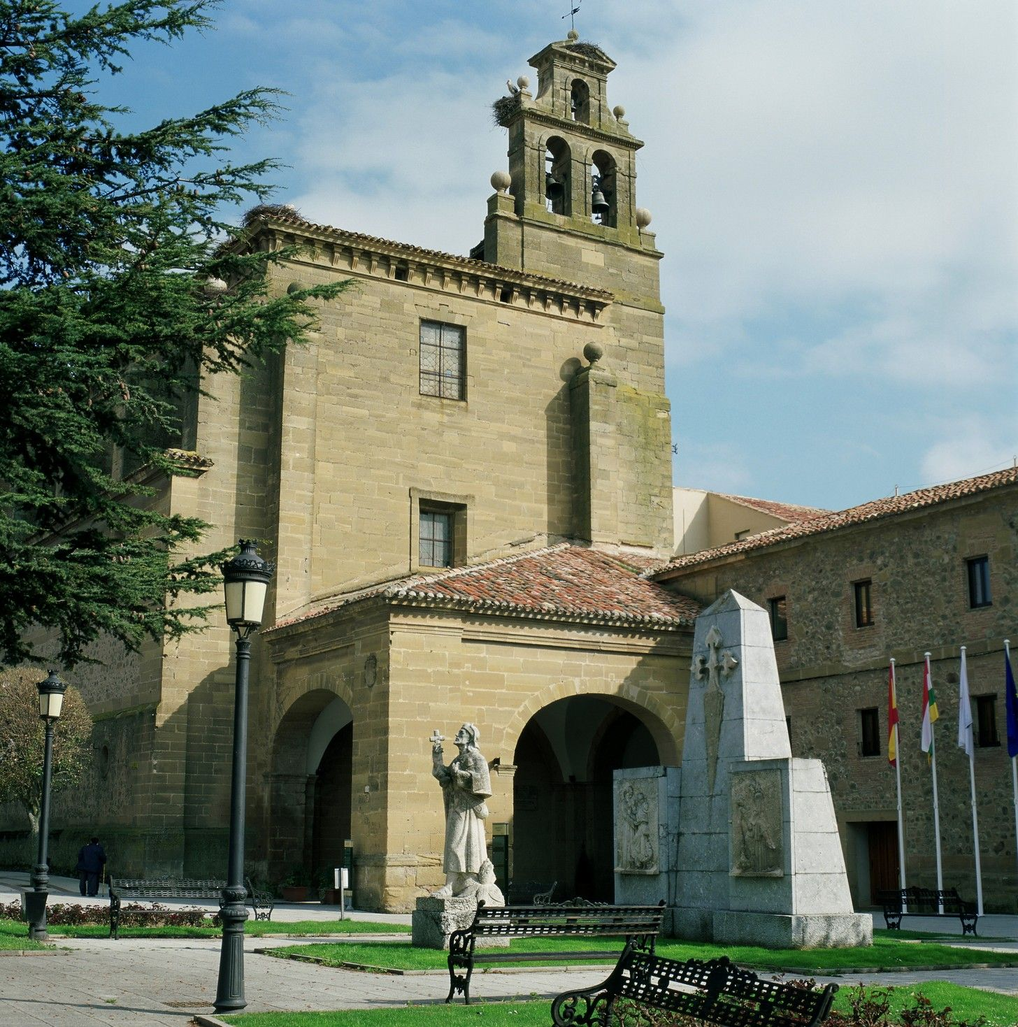 Parador De Santo Domingo Bernardo Rusticchic Bodas Con Encanto Santo Domingo Edificios Artista Grafico
