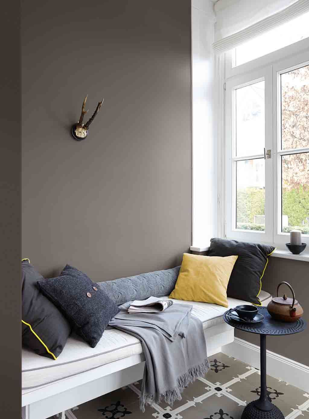 graue wand im ladhausstil alpina feine farben no 01 st rke der berge wandfarben pinterest. Black Bedroom Furniture Sets. Home Design Ideas