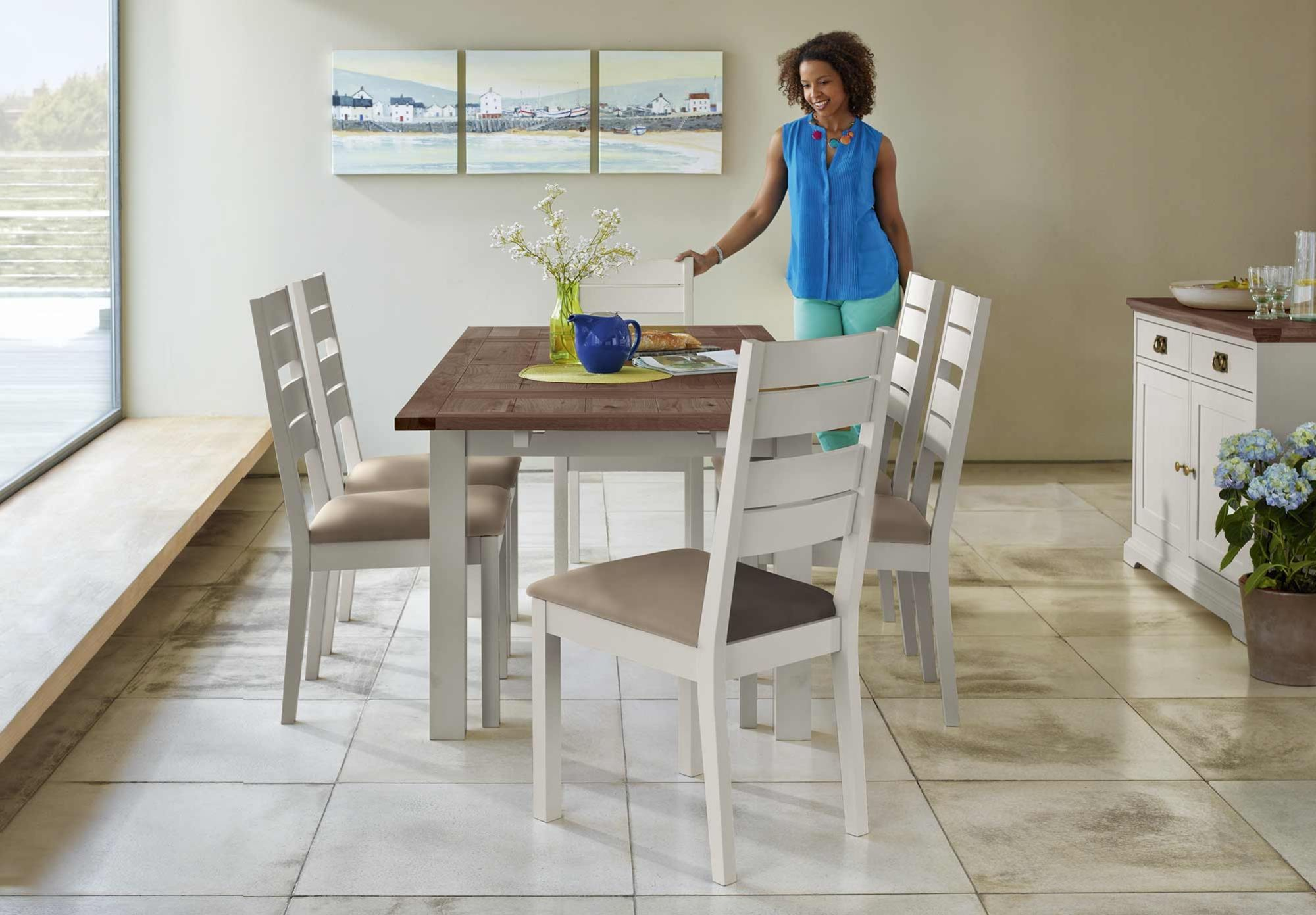 Extending Table And 4 Slatted Chairs