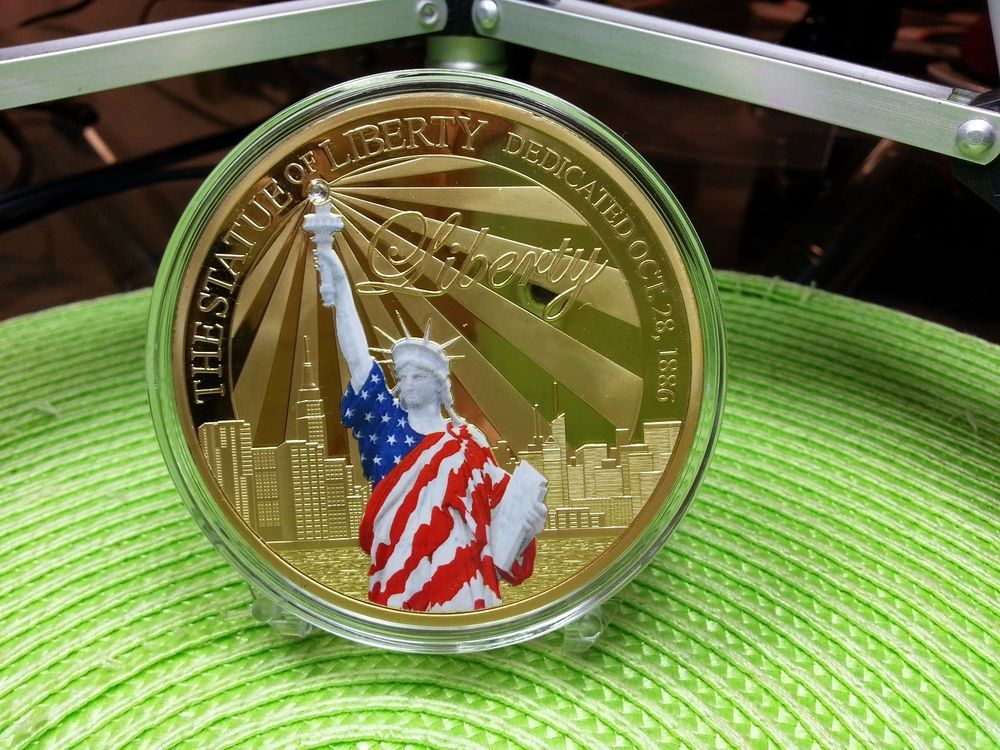 Colossal Statue of Liberty Commemorative Coin