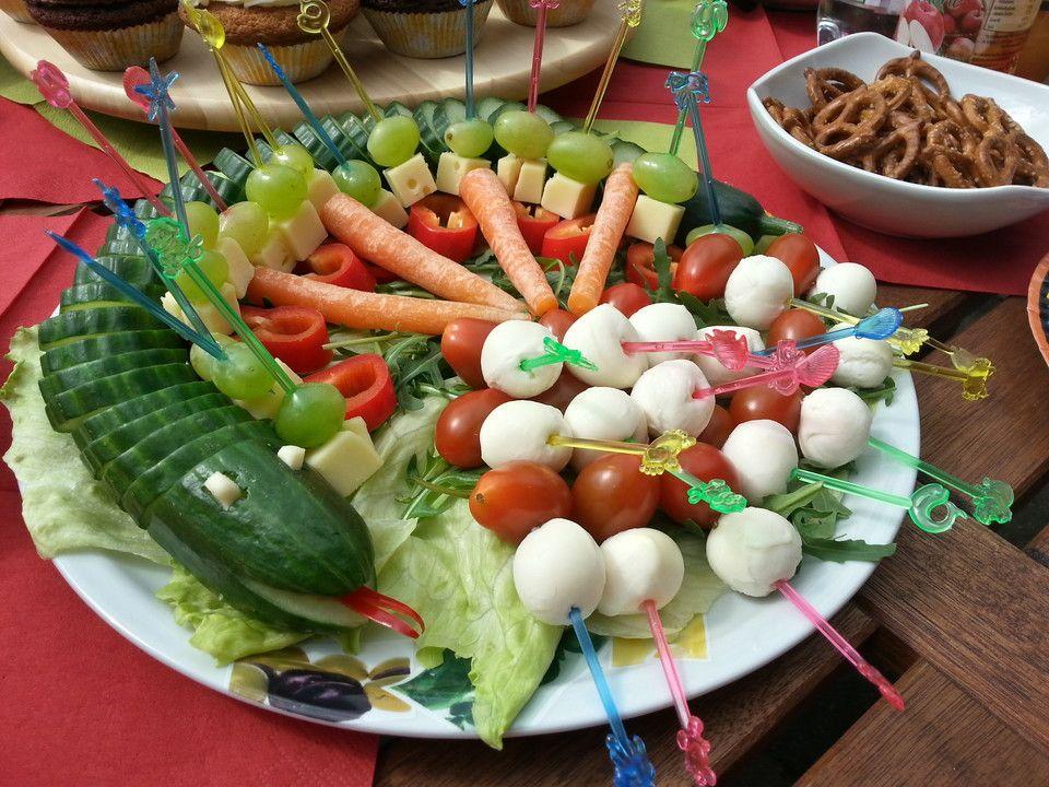Gurkenschlange Im Gemusebeet Happchen Pinterest Finger Foods