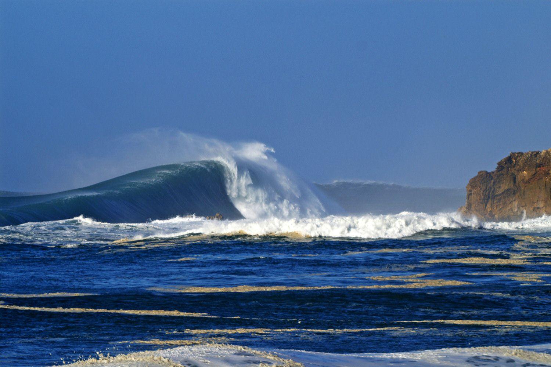 Garrett McNamara surfs 'highest ever' wave off Portugal ...  |Nazare Canyon