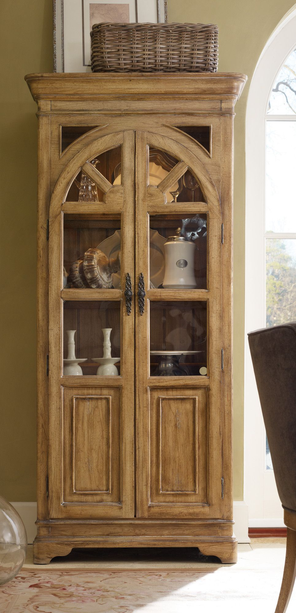Hooker Furniture Chic Coterie Corner China Cabinet Home
