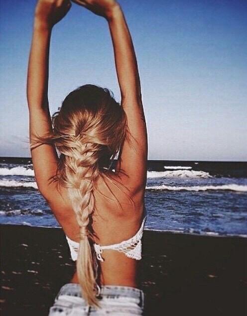 5 süße & einfache Frisuren für die Frühlingsferien Vom langweiligen Haar zur Strandbombe ...