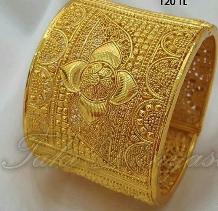 Pin By Rajendra Budhbhatti On Gold Chain Design Gold Bangles Design Gold Jewelry Fashion Antique Jewelry Indian