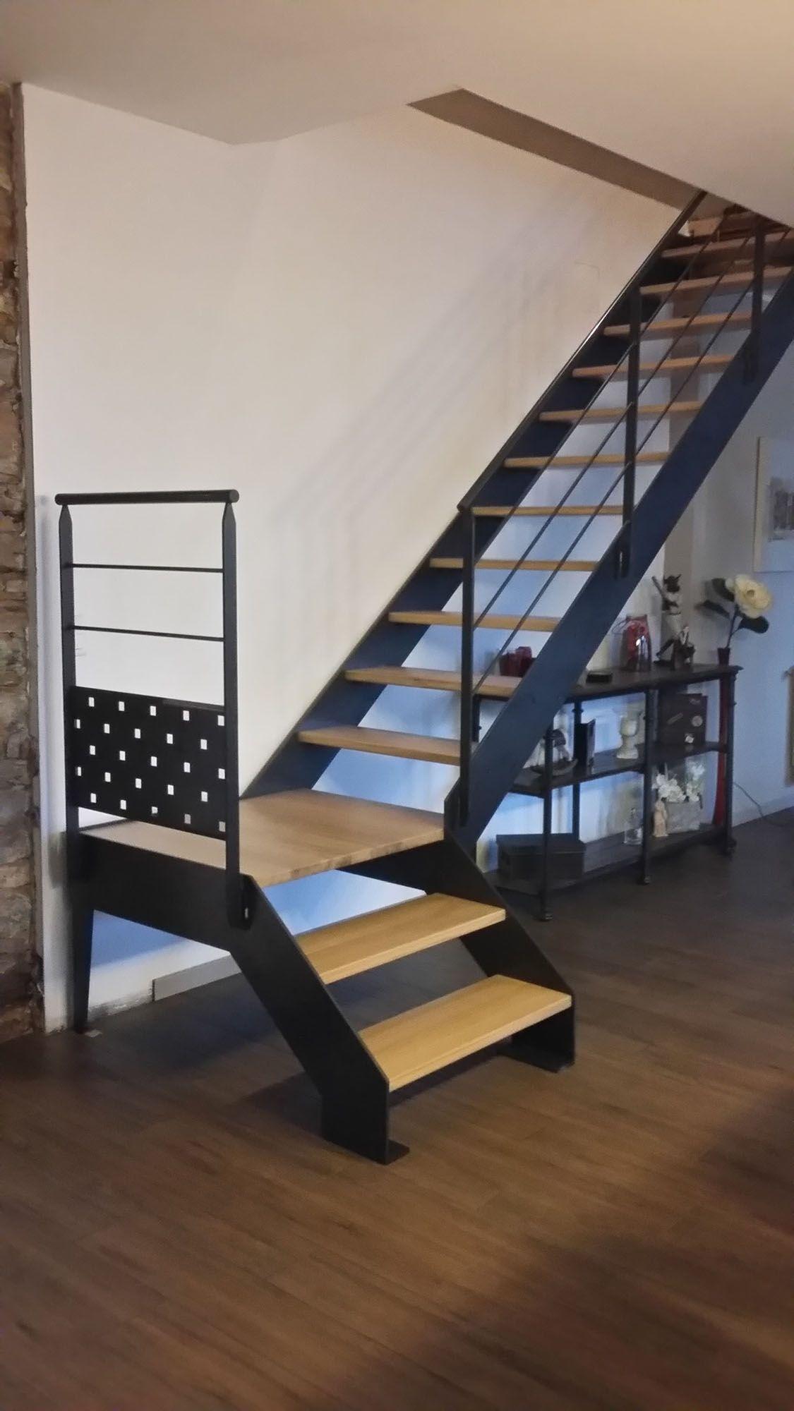 Escalier Droit Metal Bois Avec Limons Lateraux En 2020 Idees