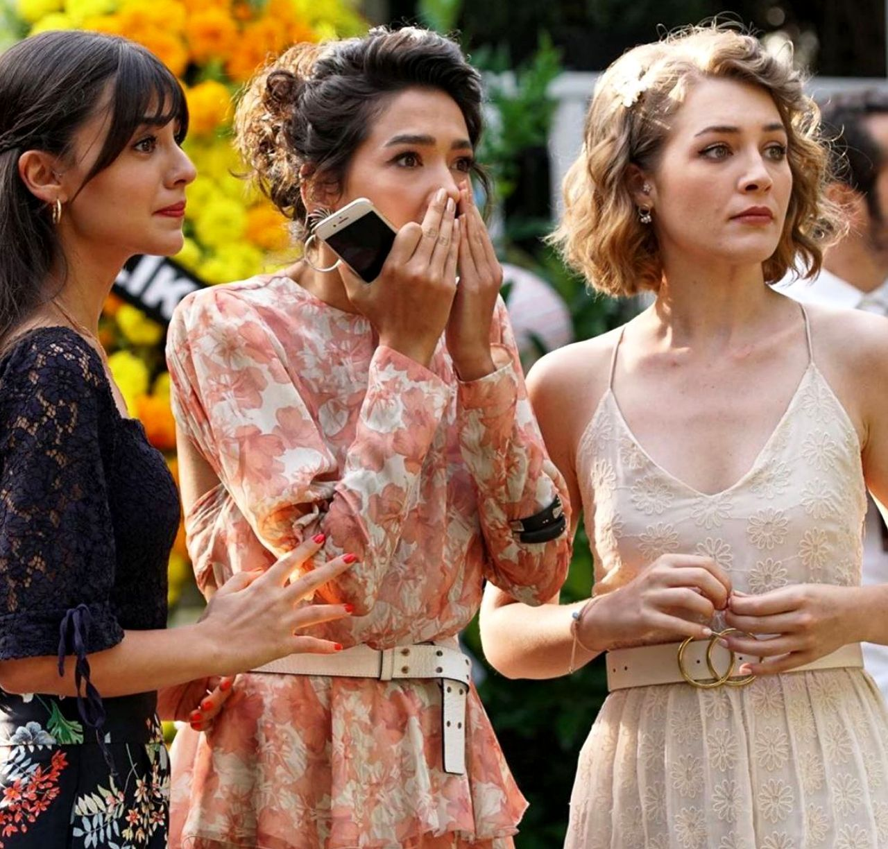 Pin By Steph On Her Yerde Sen Turkish Fashion Turkish Actors Beautiful Series