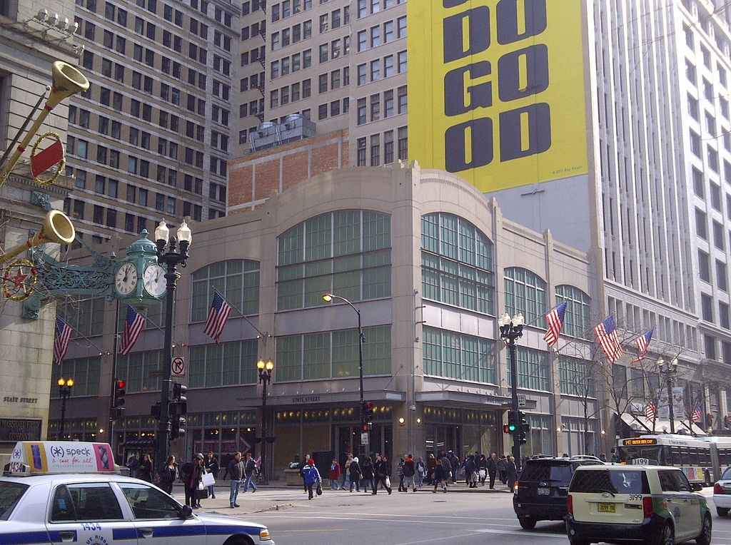 Old Navy [Chicago, IL] [Flagship Store] State St