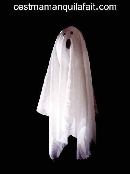 deco halloween faire un fantome 3d qui flotte dans l 39 air halloween pinterest. Black Bedroom Furniture Sets. Home Design Ideas
