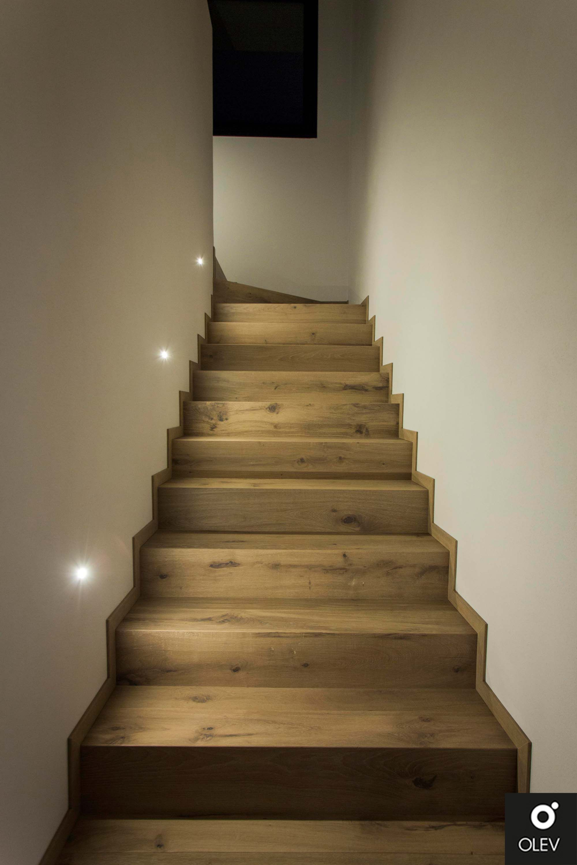 Illuminazione Led A Muro come illuminare le scale nel segno dell'eleganza e del
