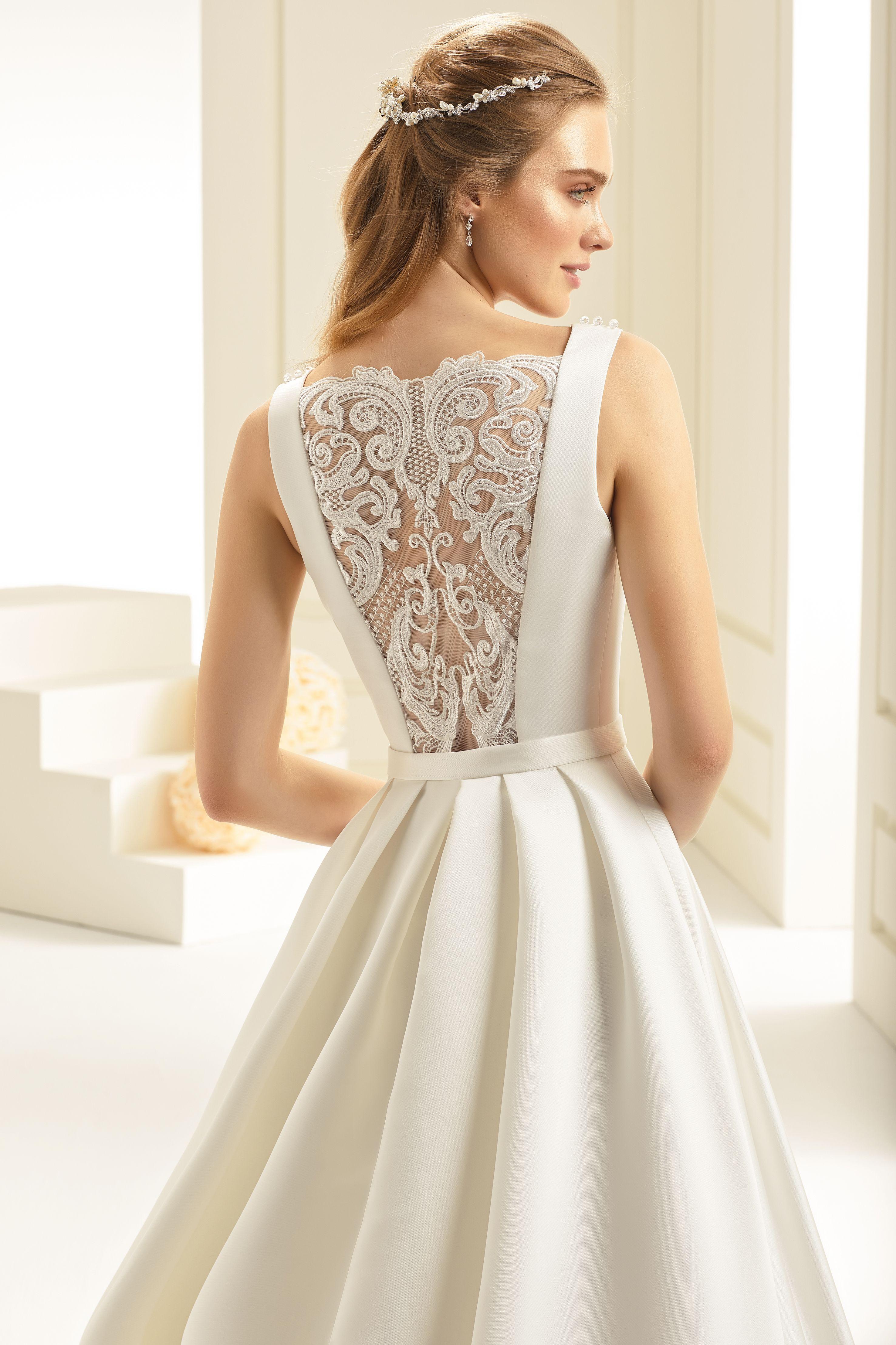 Was für ein toller Rücken! Modell Chiara aus der 2018er Kollektion ...