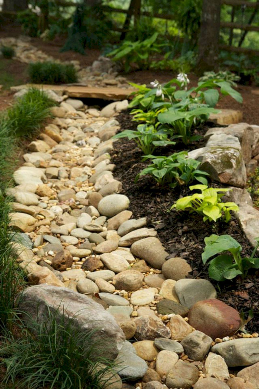 Top awesome dry river bed landscaping design ideas you have