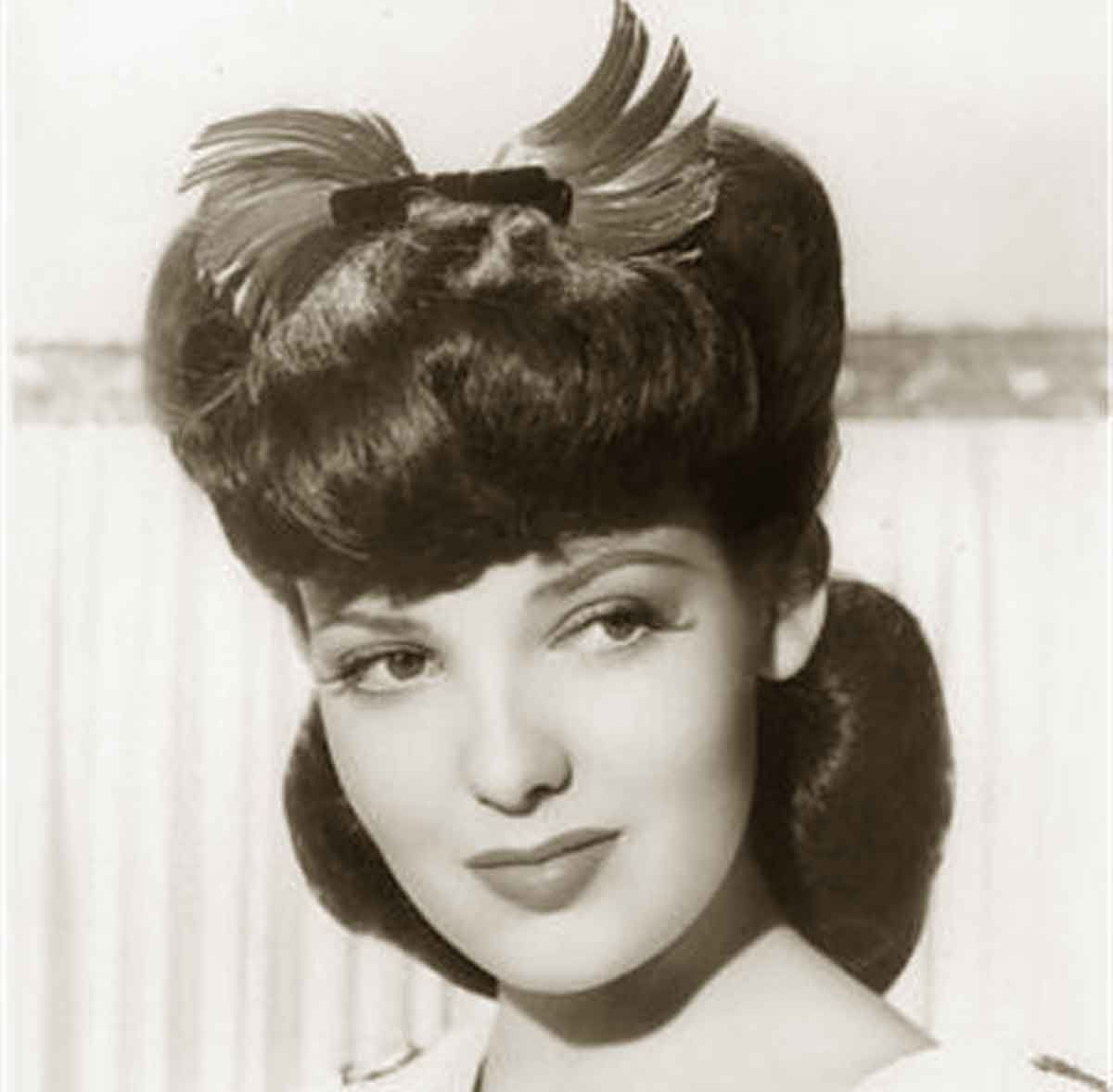 1940s-Hairstyles---Memorable-Pompadours---Linda-Darnell ...