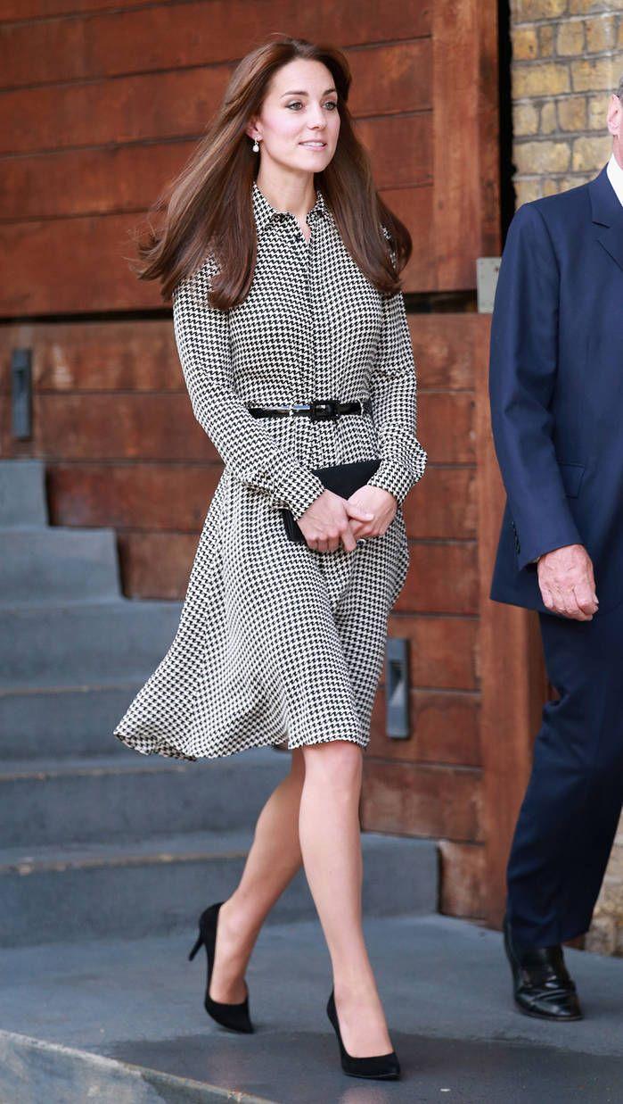 a3f3d450b31 La robe pied-de-poule - Les robes de Kate Middleton   dans le dressing  d une princesse - Elle