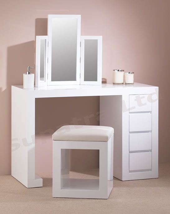 modern sleek dressing table hollywood glamour. Black Bedroom Furniture Sets. Home Design Ideas