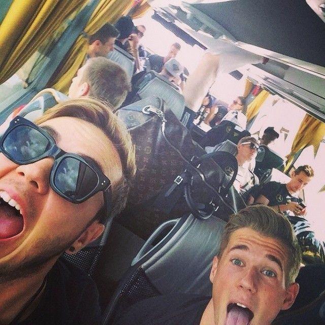 #busfahrt zu #fanmeile #aneurerseite #weltmeister #WM2014 Danke an @gotzemario!