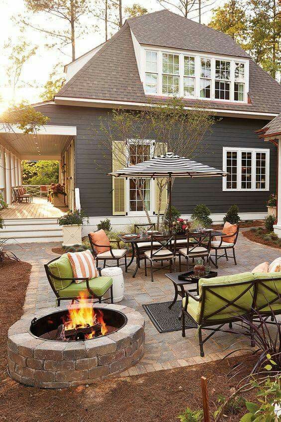 Outdoor patio like the fire pit off to the side Backyard Ideas