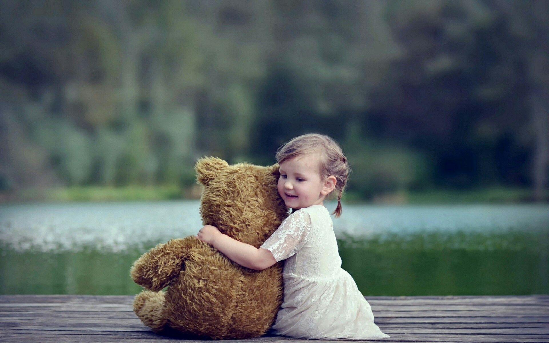 Pin By Bushra Rauf On Babies Girl Background Baby Hug Bear