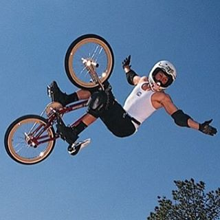 so sad.. rest in peace Dave thanks for inspiring all of us .. lets go ride for him #davemirra