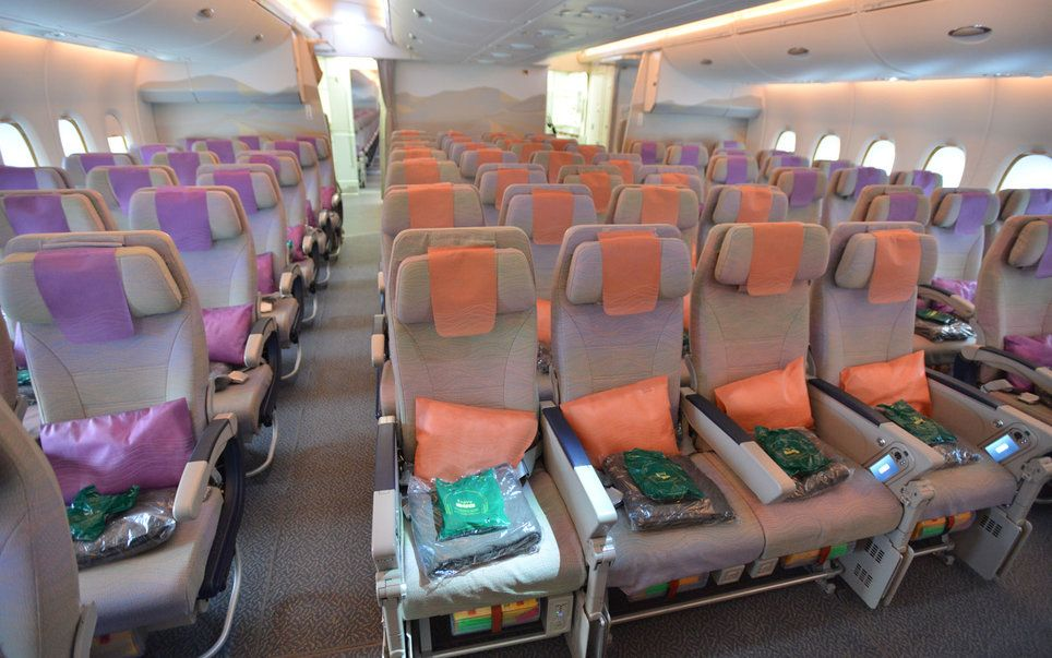 inside the airbus a380 the biggest passenger plane in the world aviationnews pinterest. Black Bedroom Furniture Sets. Home Design Ideas