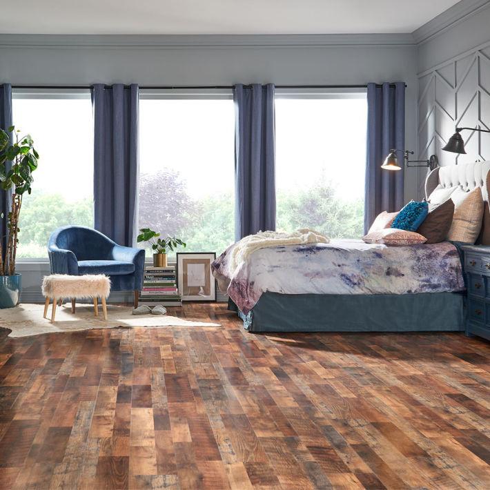Restoration Oak Quick•Step Studio Laminate Flooring at