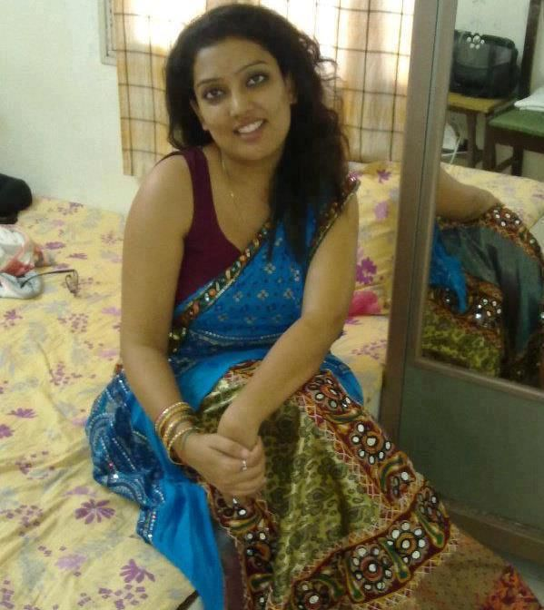 Tamil Village Aunties Hot Photos In Saree