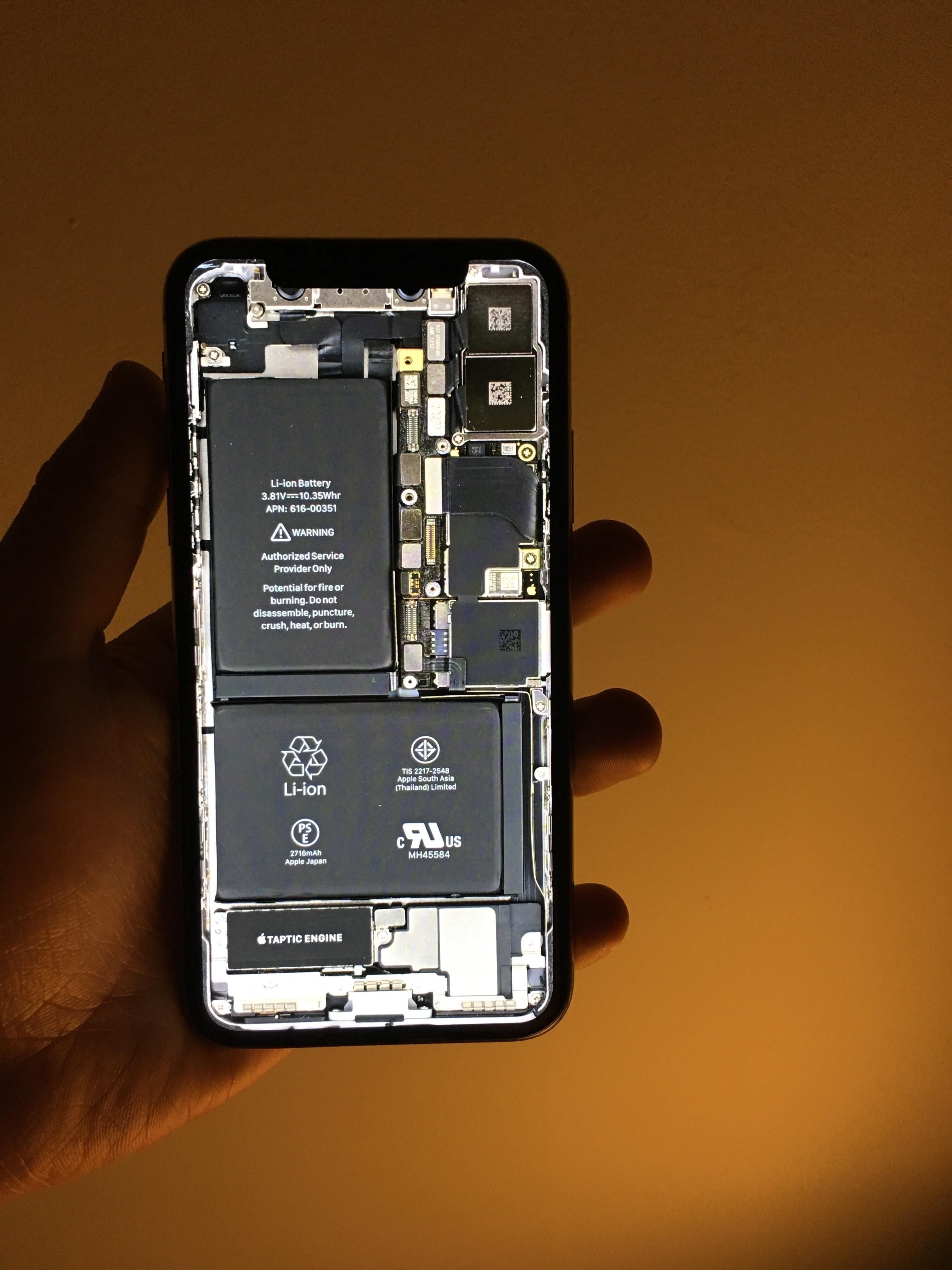 This Iphone X Wallpaper Shows What S Inside On The Iphone