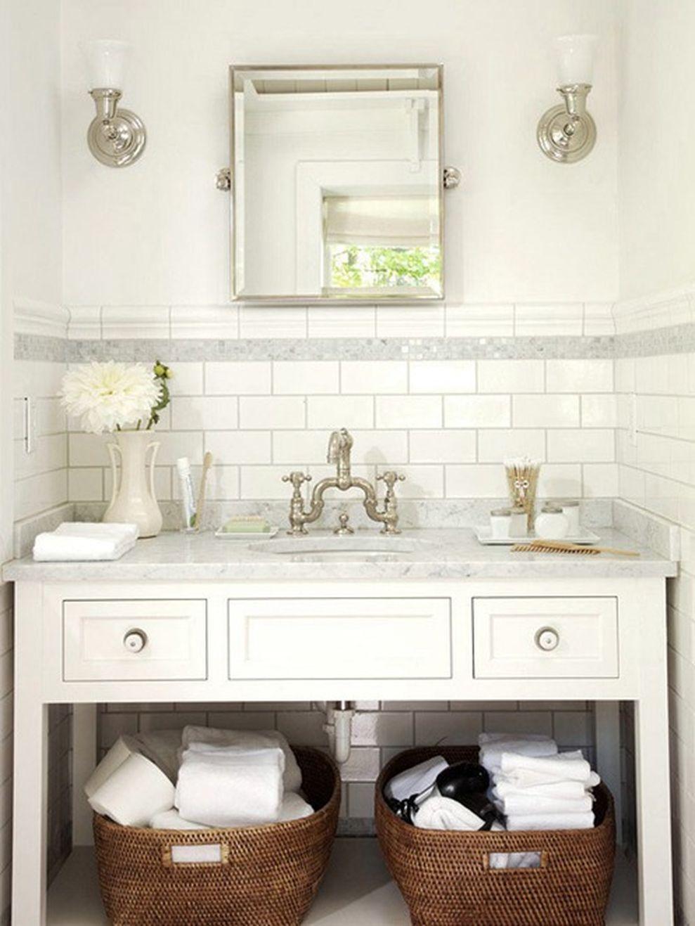 24 Timeless Bathroom Renovation With Subway Tile Backsplash | Subway ...