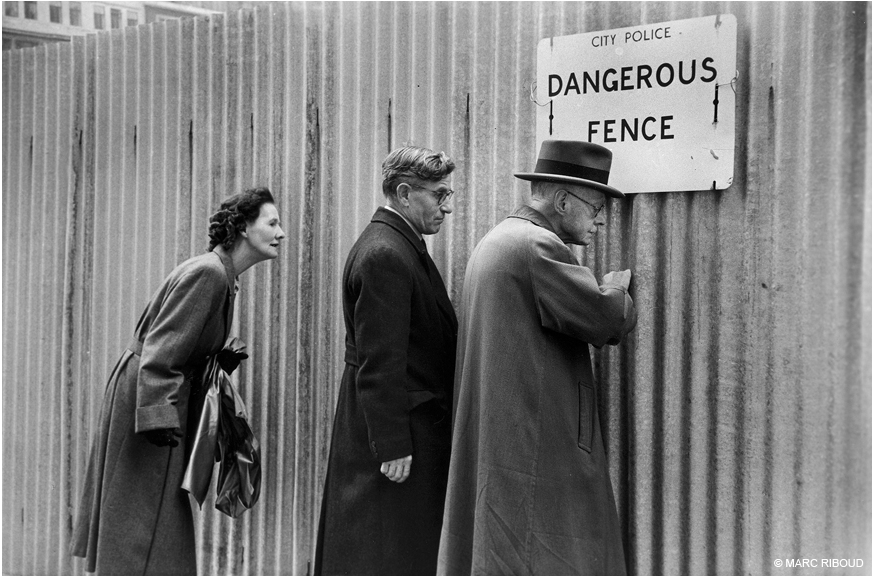 10 French Photographers You Should Know Photography Office Marc Riboud French Photographers Marc