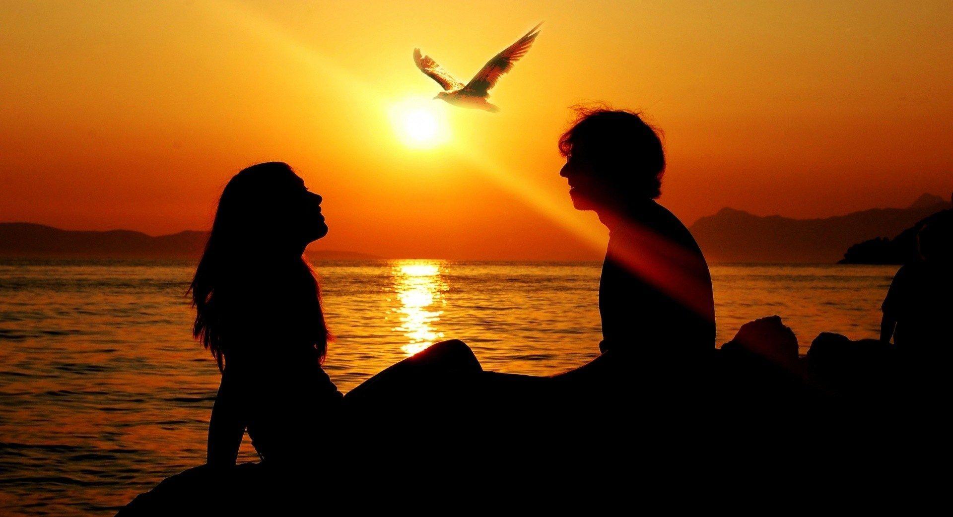 Natbg Com Lovers Enjoying Sunsets Nice Warm Free Desktop