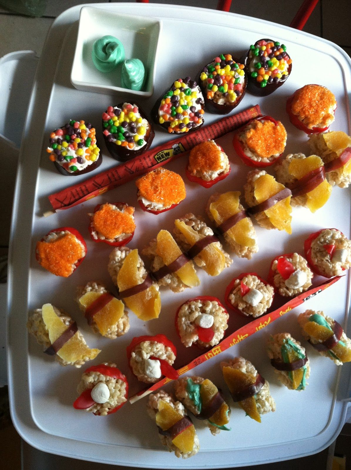 The Darien Peach: Made it Myself Monday-- Candy Sushi #candysushi