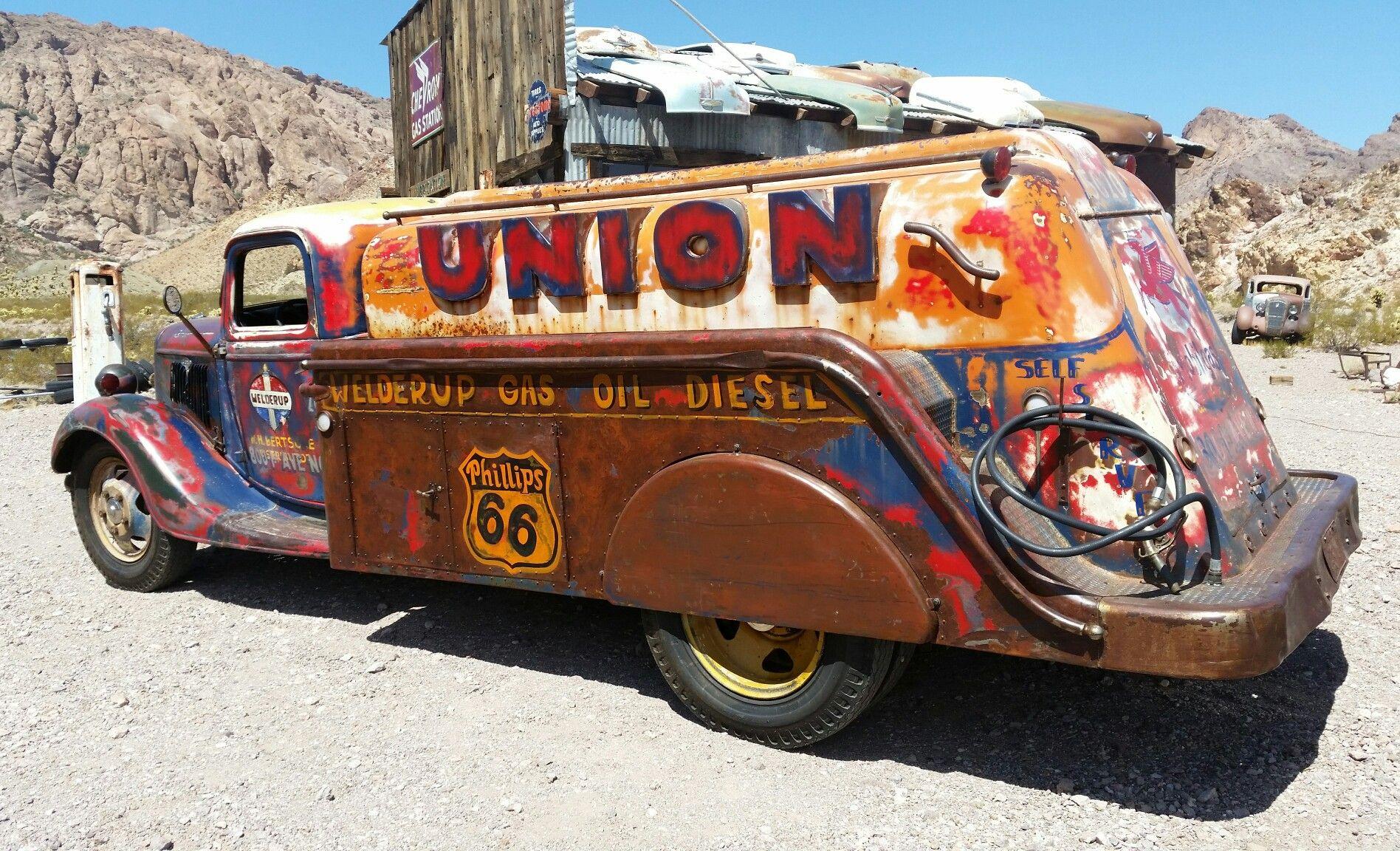 The Fuel Truck From Welderup And Vegasratrods Vondeeterdesigns