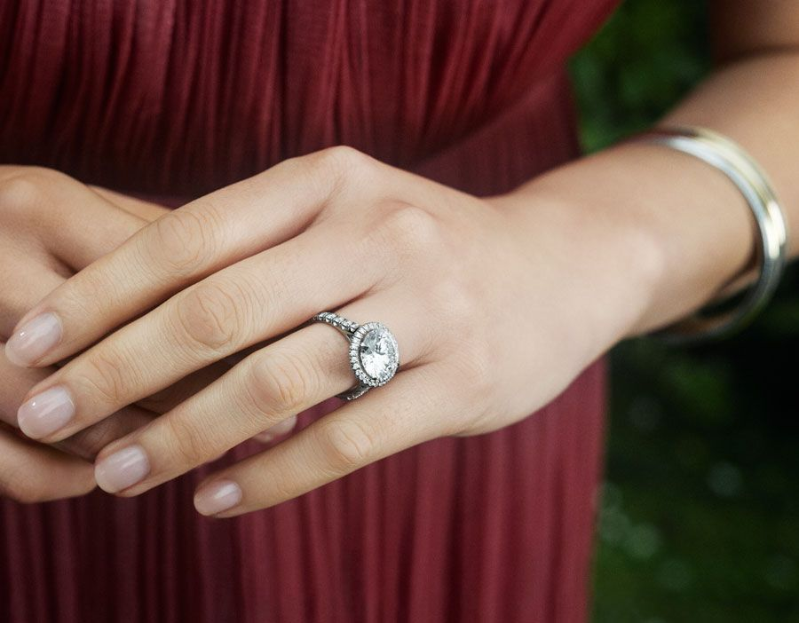Fantastique Gorgeous new engagement rings for Valentine's Day | I hear bells AL-58