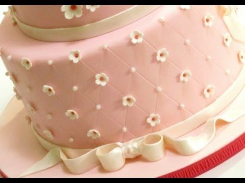 ▶ How to Create a Quilted Pattern on a Cake - YouTube