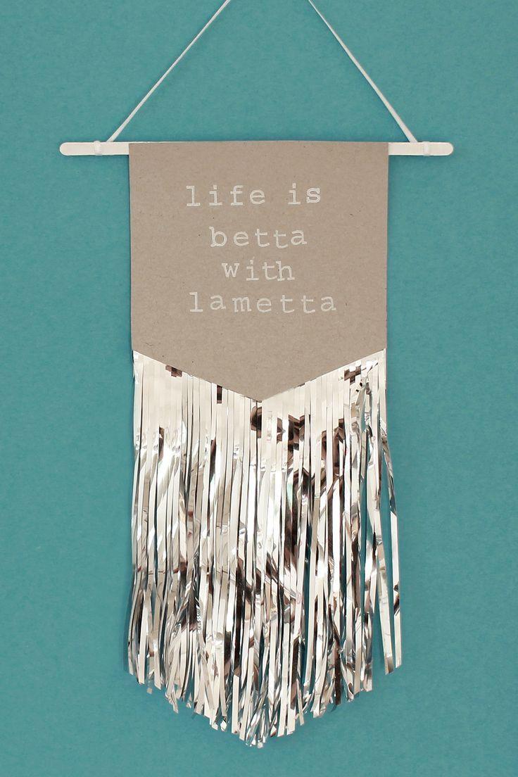 DIY Lametta-Wimpel Weihnachtsdeko basteln #dunklewände