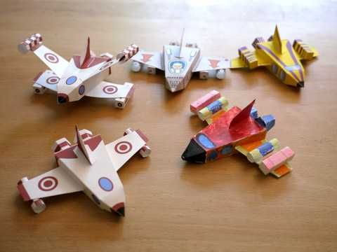 Kid-friendly Spaceship Paper Toys Free Download - http://www.papercraftsquare.com/kid-friendly-spaceship-paper-toys-free-download.html