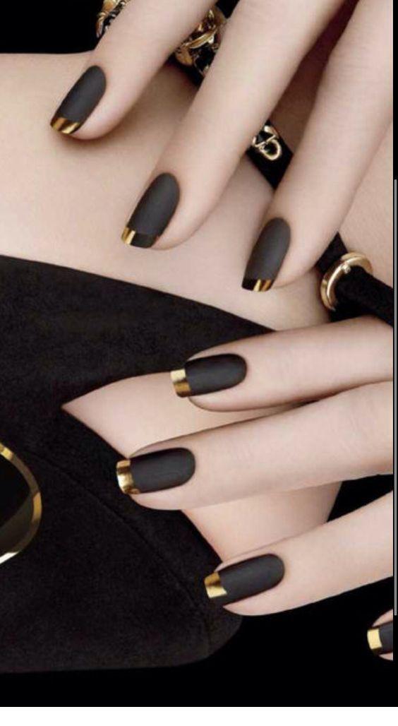 Black nails and gold tips - nail art - maaghie
