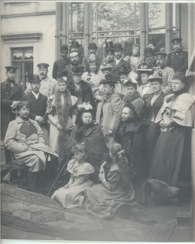 Alternate view of the royal mob at Coburg, 1894. Never seen this one before!