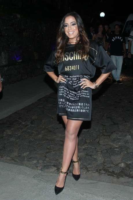 Parabéns! Anitta reúne famosos em festão de aniversário   Anitta ... 6f1571397d