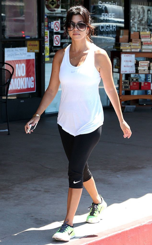 Kourtney Kardashianu2019s Oversized U2018nu2019 Modernized Aviators Add Stylish Flair Her Relaxed Workout ...