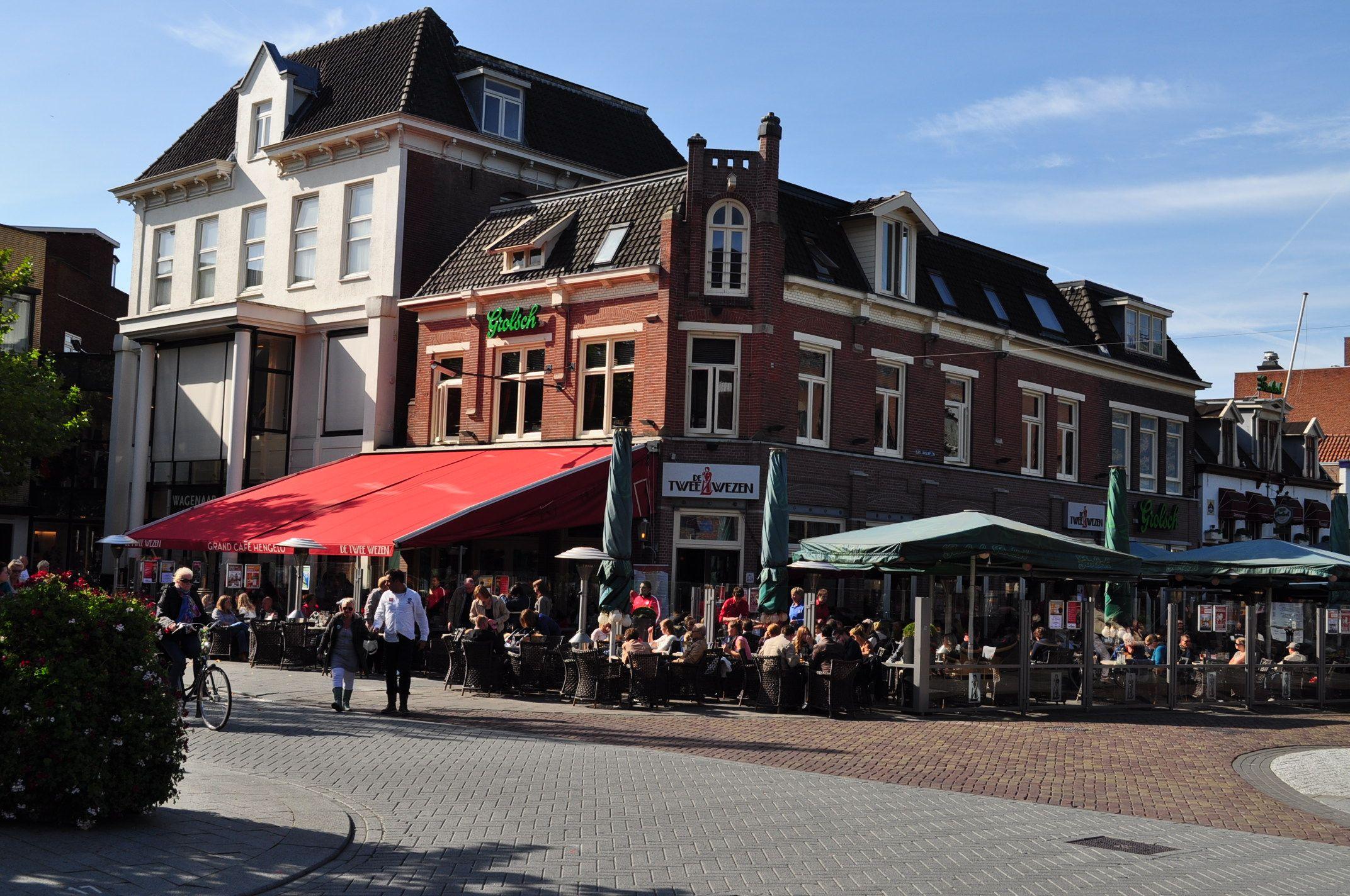 Restaurant de twee wezen op de hoek enschedesestraat for Koopzondag hengelo