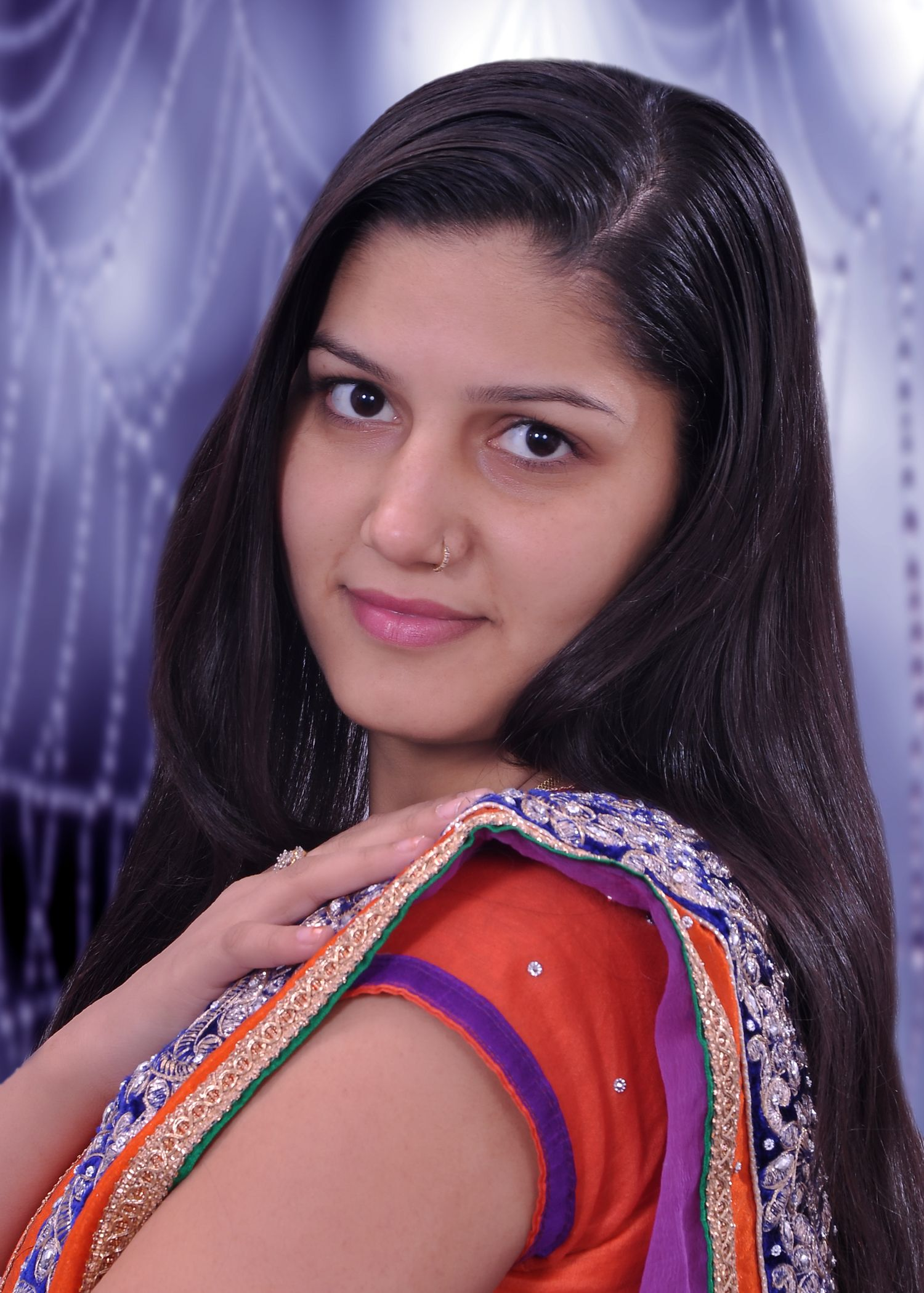 Sapna Chaudhary The Famous Singer And Dancer Is Popular In -3627