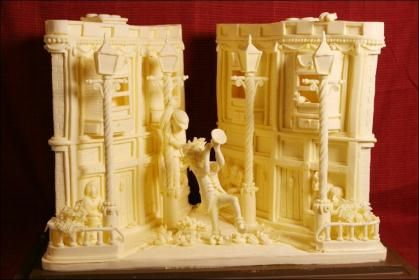 Vipula Athukorala : his sculptures are made of butter !