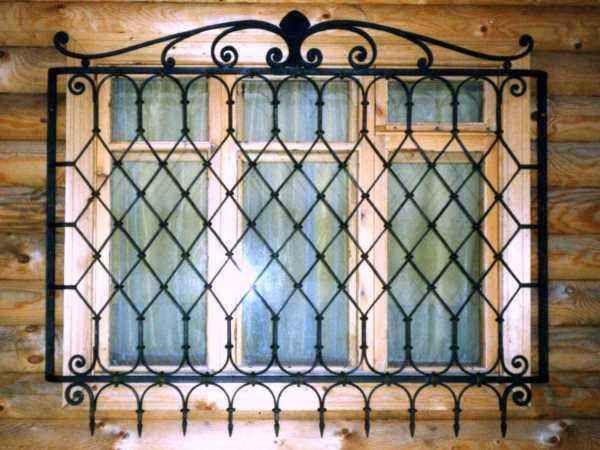 Картинки по запросу решетка на окно внутри дома   Balcony ...