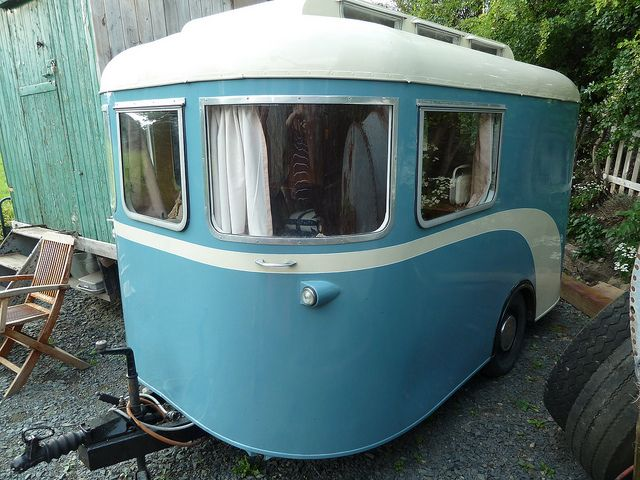 1940s / 50s vintage caravan | vintage glamping | Camper trailers