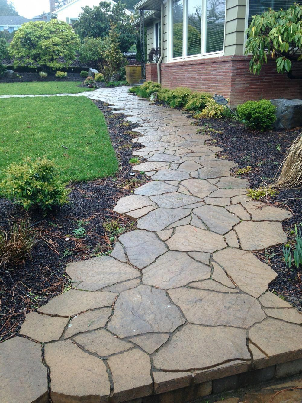 Amazing options to take a look at #frontwalkway #flagstonepathway
