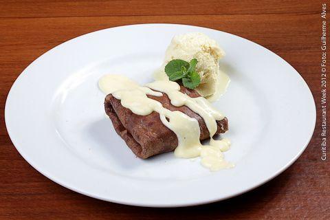 La Pasta Gialla (jantar)  Crepe recheado com doce de leite e requeijão