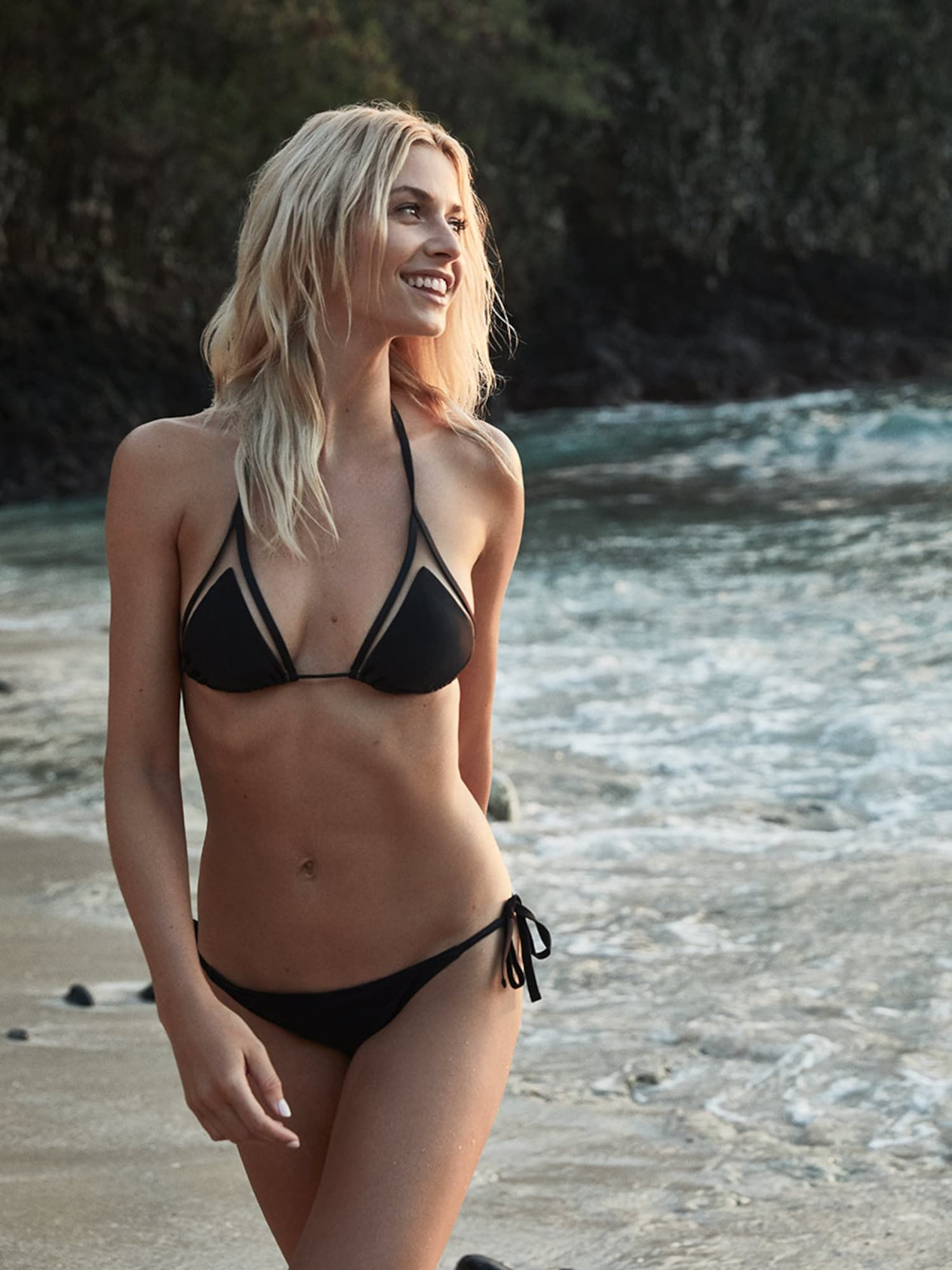 Emily Verla  nackt