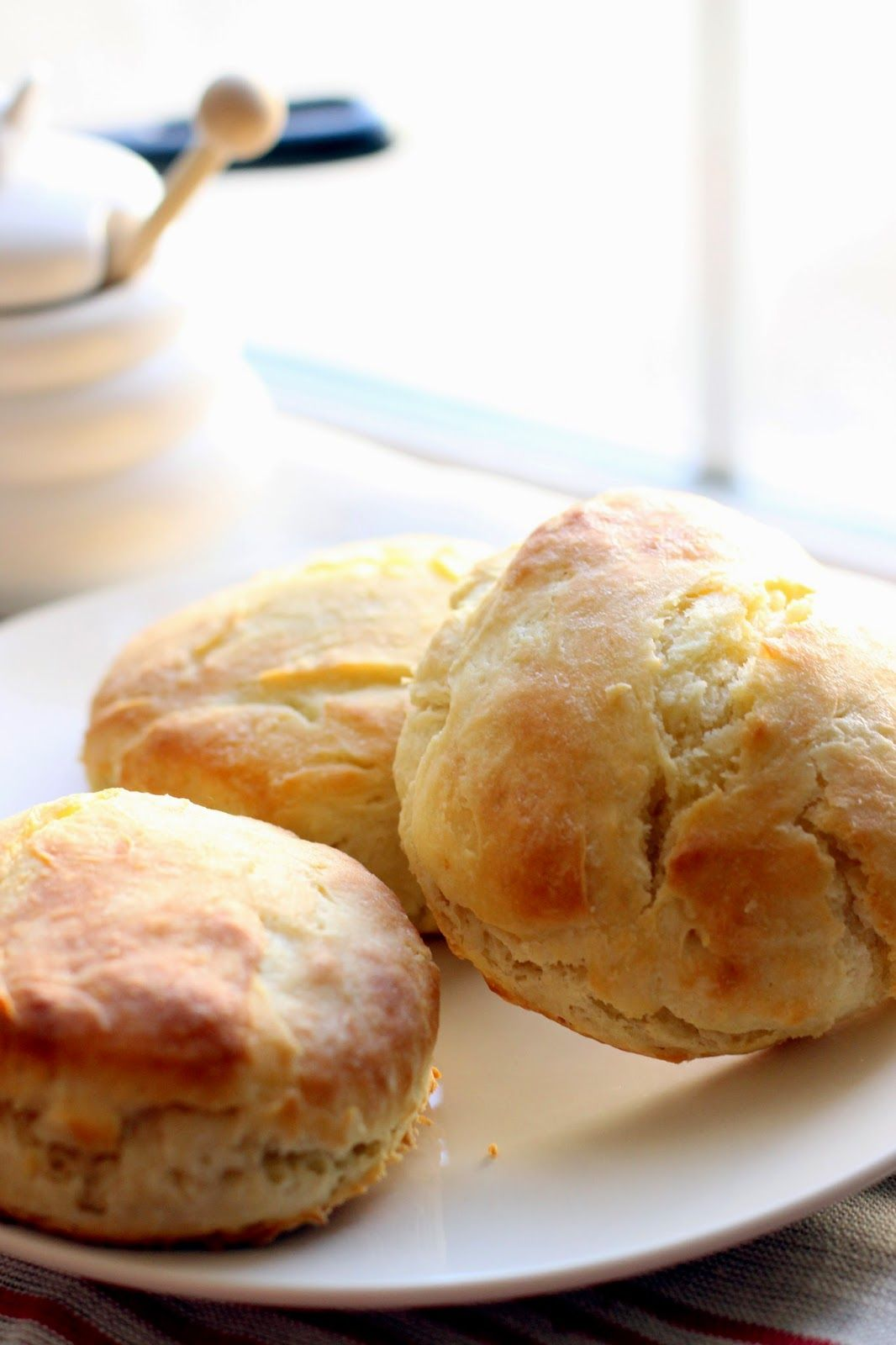 Fluffy Buttermilk Biscuits With Honey Butter Honey Butter Biscuits Food